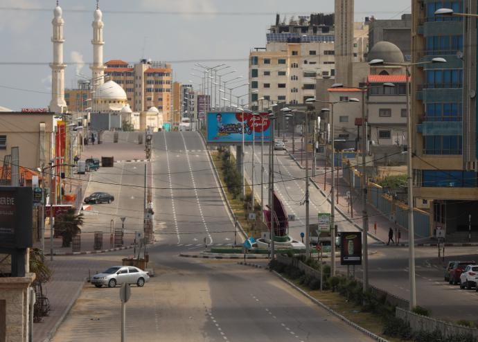 موقع إسرائيلي: الحصار ونقص الكهرباء والوقود سيؤدي لانفجار الأوضاع بغزة