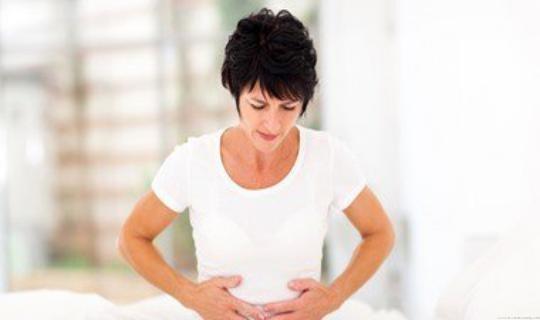 6 أسباب تؤدى إلى الشعور بانتفاخ البطن