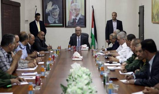 الحمد الله يلتقي قادة الأجهزة الأمنية الفلسطينية