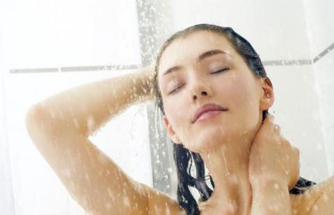 احذروا هذه الحركة أثناء الاستحمام تؤدي للوفاة