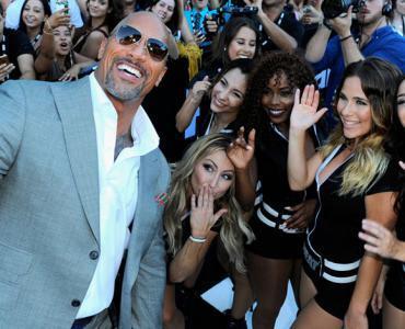 اكتشفوا معنا كيف ينفق The Rock الممثل الأعلى أجرًا في هوليوود ملايينه