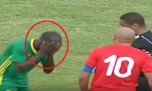 فيديو - لاعب تونسي يعتدي على نظيره الموريتاني بشكل همجي