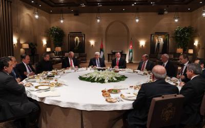 أبومازن يبحث مع ملك الأردن تداعيات إمكانية نقل السفارة الأميركية