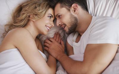 علاقة عدد ساعات نومك بحياتك الجنسية