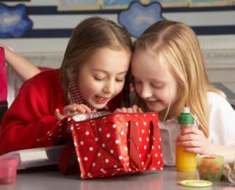 وجبة إفطار طفلك المدرسية.. ماذا يجب أن تتضمن ؟