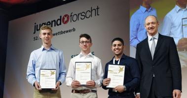 فلسطيني يحصل على المركز الأول للبحث العلمي للشباب بألمانيا
