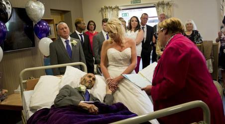"""""""الزفاف الحزين"""".. تتزوج حبيبها في اللحظات الأخيرة"""