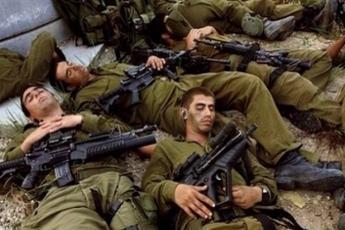 جنود الاحتلال نائمون