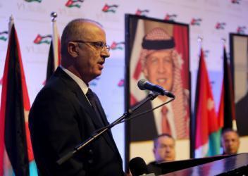 الحمد الله: الأردن يضع جل إمكانياته ليدافع عن تطلعات شعبنا في الاستقلال