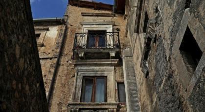 مدينة إيطالية تمنح المال لمن ينتقل للعيش بها