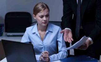 أخطاء بسيطة تعجل برحيل الموظفين الأكفاء