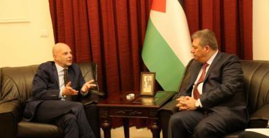 دبور يستقبل مدير عام الاونروا في لبنان كوردوني