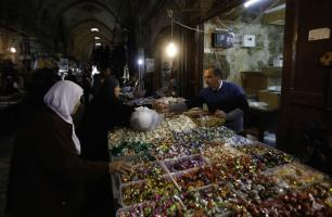 حركة تجارية ضعيفة تخيم على أسواق القدس قبيل عيد الفطر