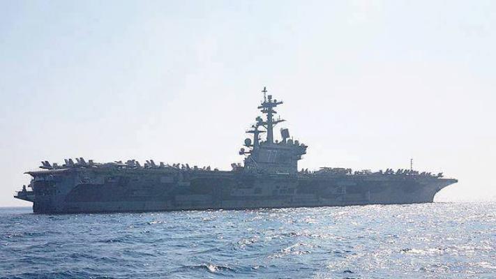 أضخم حاملة طائرات أميركية ترسو في ميناء حيفا (صور)