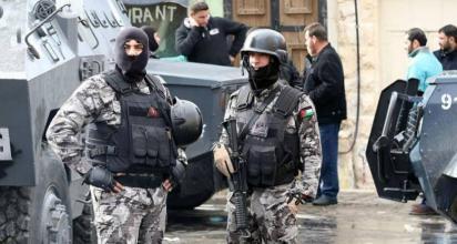 """الأردن يمنع الحارس الأمني """"الإسرائيلي"""" من السفر"""