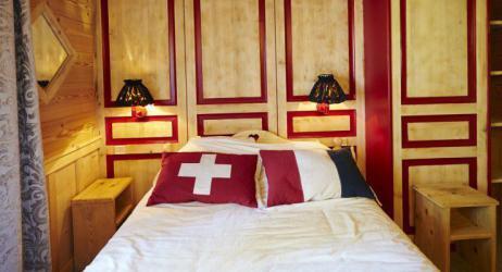 أغرب فندق في العالم.. يجعلك تنام في بلدين في آنٍ واحد!