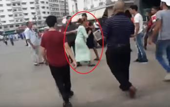 بالفيديو.. هكذا كان رد فعل فتاة مغربية تحرش بها رجل في الشارع العام بوضح النهار!