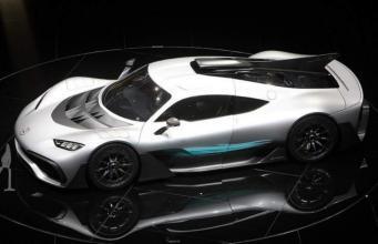 مرسيدس f1 النموذجية.. سيارة لم يصنع منها اثنان