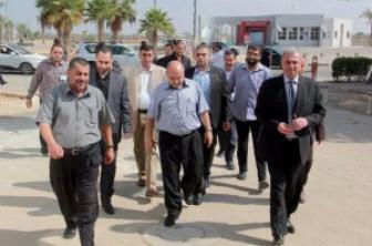 وفد من حكومة الوفاق يرأسه زياد أبو عمرو يصل غزة