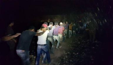 بالفيديو.. الاحتلال يُفشل محاولة تسلل 70 عامل فلسطيني للداخل المحتل