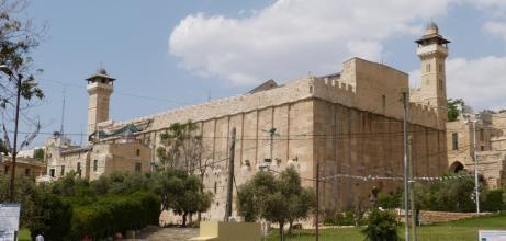اغلاق الحرم الابراهيمي 24 ساعة أمام المسلمين وفتح تعتبرها جريمة