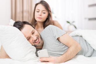في حياة زوجي امرأة أخرى