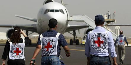 إجلاء 5 من موظفي الصليب الأحمر باليمن لاعتبارات إنسانية