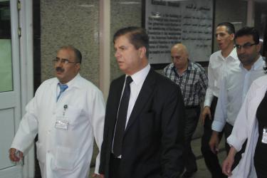 عواد: الحكومة منعت انهيار القطاع الصحي بغزة