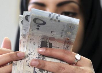 السعودية والإمارات تتوعدان مستغلي ضريبة القيمة المُضافة