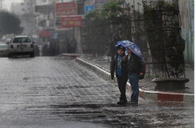 تحذيرات من غرق منازل المواطنين في قطاع غزة بمياه الصرف الصحي
