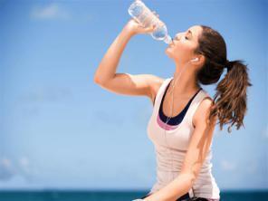 رجيم الماء.. تعرف على الأوقات المثالية للشرب وانقاص الوزن