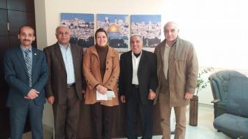 المتقاعدون العسكريون يلتقون المدير التنفيذي لفروع بنك القدس بالمحافظات الجنوبية