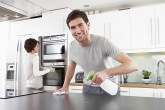 دراسة: ساعد زوجتك في البيت من أجل صحتك