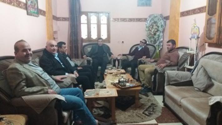 حركة فتح لواء العاصفة تزور المناضل جمال شعت بخانيونس