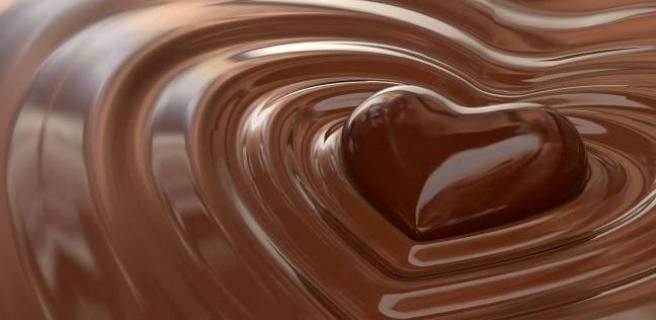 بسبب المركبات الكيميائية أم الطعم.. لماذا تعتبر الشوكولاتة إدمانا؟