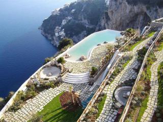 أفضل الفنادق الإيطالية المطلة على البحيرات