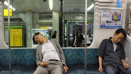 """كوريا الجنوبية تشن حربا على """"ساعات العمل الإضافي"""""""