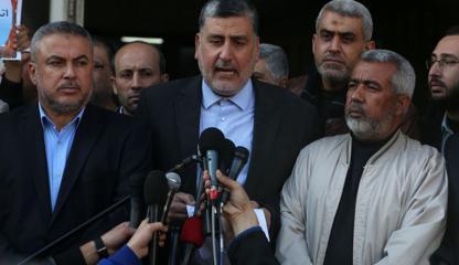 فصائل المقاومة تدعو إلى رفع الشرعية عن أبومازن