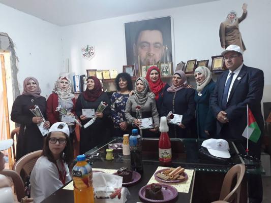 جمعية المتطوعين الفلسطينيين تكرم لجنة المراة في كفر عقب