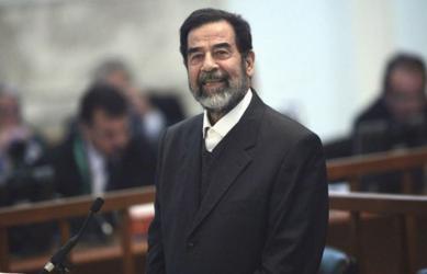معلومات تذكر لاول مرة عن تفاصيل القبض على صدام حسين وشارون أول من زاره في السجن
