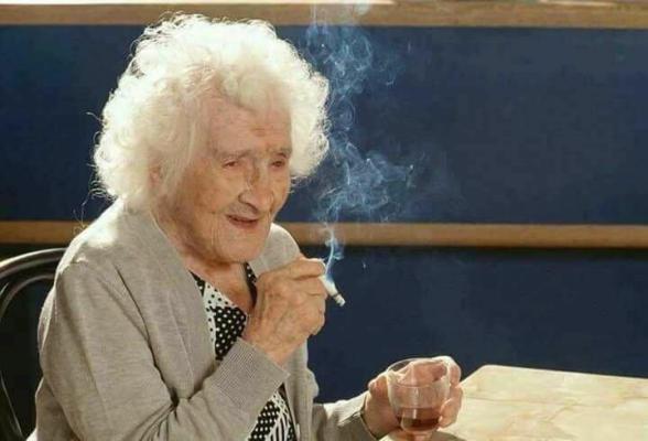 """""""جين كالمينت"""" البالغة من العمر 90 سنة عجوزة وحيدة ليس لها أولاد"""