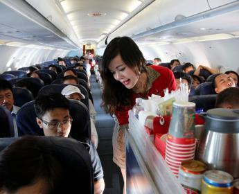 حقيقة صادمة حول شركات الطيران.. هذا ما تقدّمه للمسافرين!
