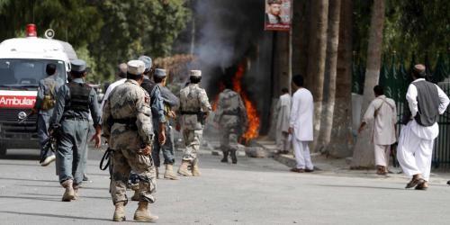 """أفغانستان.. 57 قتيلاً بتفجير مركزين لتسجيل الناخبين تبناه """"داعش"""""""