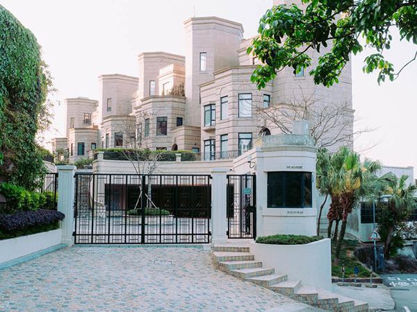تعرفوا إلى القصر ذي الـ191 مليون دولار الذي اشتراه مؤسس موقع علي بابا
