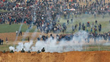 مجلة جاكوبين: لهذه الأسباب يقتل الجيش الإسرائيلي المتظاهرين بغزة