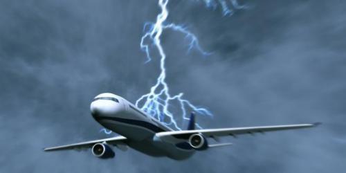 تعرف على السر.. لماذا لا تؤثر صواعق البرق على الطائرات؟ (فيديو)