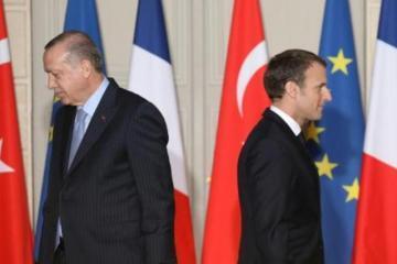 تركيا تحذر فرنسا من إرسال قوات لدعم الأكراد في منبج