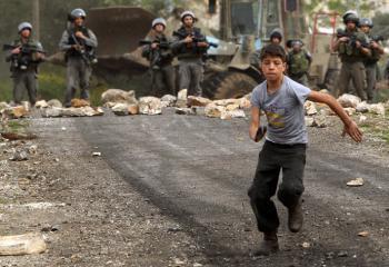 وزارة الإعلام: في يوم الطفل الفلسطيني اعتداءات متواصلة بحق الطفولة الفلسطينية