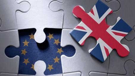 كيف تدير بريطانيا مفاوضات الاتحاد الجمركي مع أوروبا؟