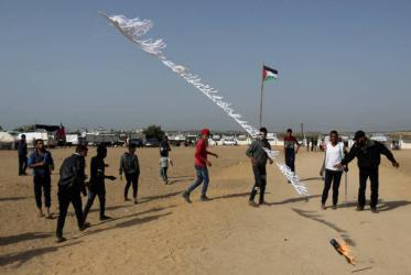 اندلاع حرائق في المستوطنات المحاذية لغزة بفعل طائرة ورقية حارقة